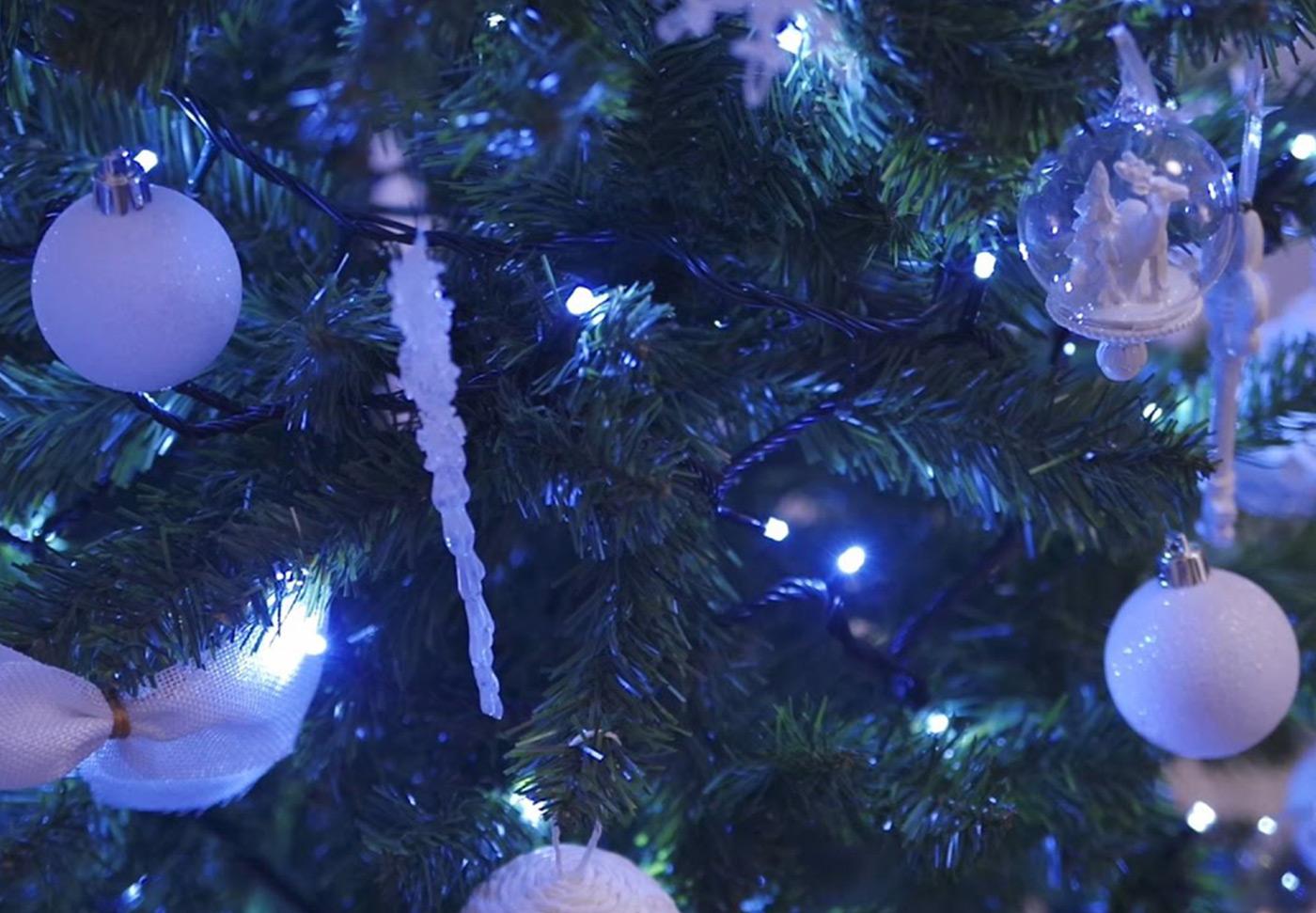 cover-christmas-tree